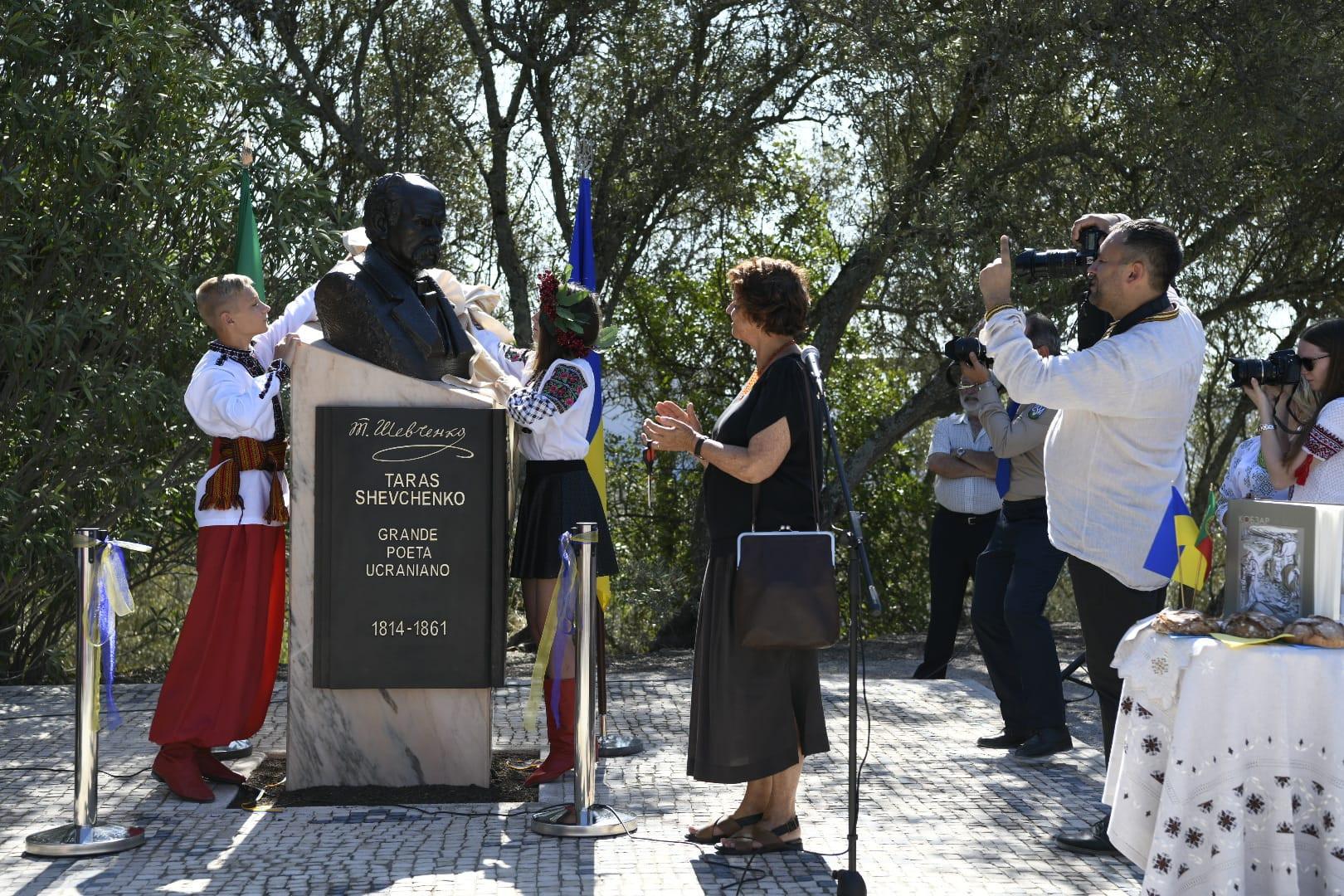 Poeta ucraniano homenageado em Lisboa - MUNICÍPIO